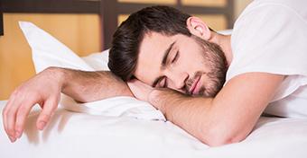 Az alvás befolyásolhatja a férfiak termékenységét