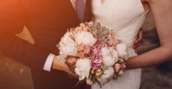 Harmadára csökkent a 30 alatt házasodók száma