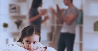 Ezt érdemes tenned, ha hallanak a gyerekek titeket veszekedni