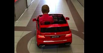 Elektromos autóval mennek a szívműtétre a gyerekek