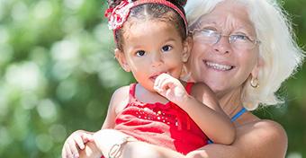 Tovább folyik a vita a nagyszülői gyedről