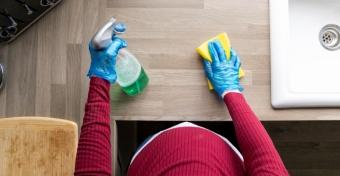 Milyen összetevőket kerüljünk a tisztítószereknél kismamaként?