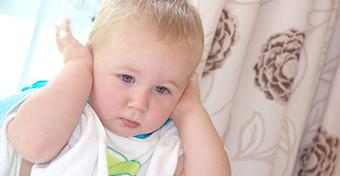 5 jel, hogy a babának fülgyulladása van