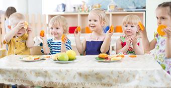 Van, ahol 10 perce van a gyereknek megenni az ebédet