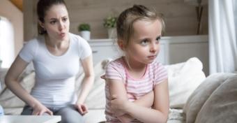 Felnőttkorban problémát okozhatnak a gyerekkori kegyes hazugságok