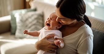 Hogyan lehet megnyugtatni a síró babát?