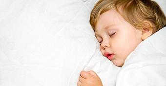 Altatás: ha a gyerek tiltakozik a lefekvés ellen