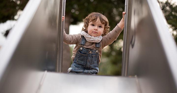 kétéves gyereknek merevedése van)