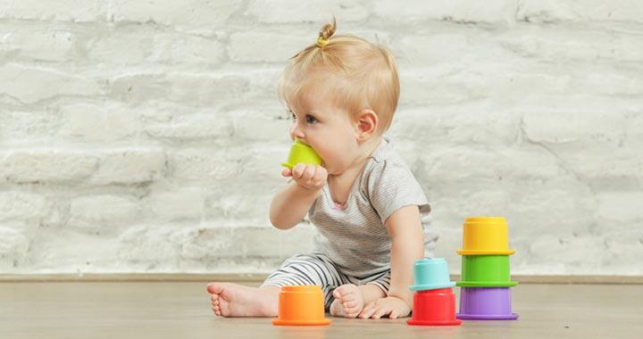 Így tanulja meg a baba az ok-okozati összefüggést