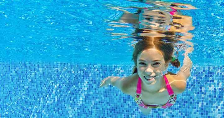 Hány évesen tanulhat meg úszni a gyerek  2532eafcbc
