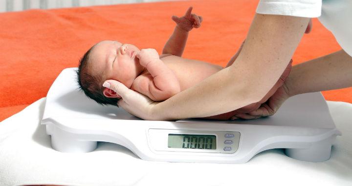miért veszítenek az újszülöttek kezdetben