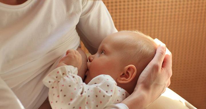Praktikus tippek a szoptatás alatti étkezéshez - BabásMamás