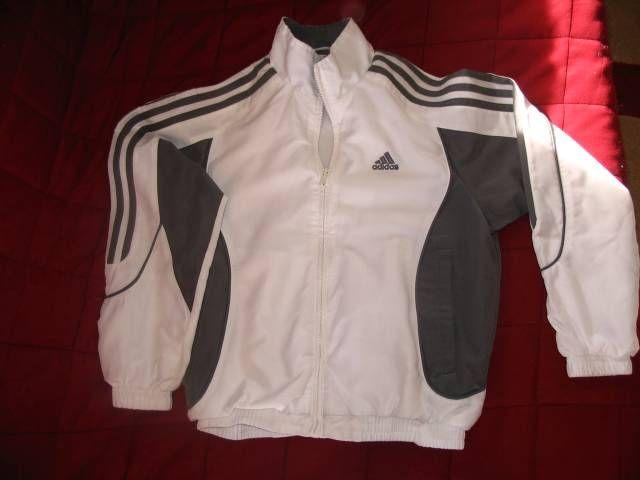 216b8451d3 140-es méretű Adidas és más márkás melegítők nadrágok, felsők ...