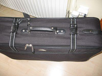 3a83a84d2f35 Nagy bőrönd eladó / Adok-veszek / Fórum