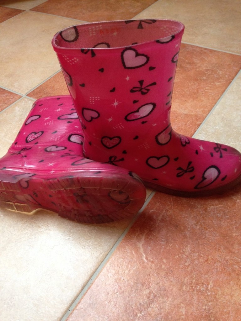 Lány cipő, szandál, papucs, bakancs, csizma, görkori 32 34