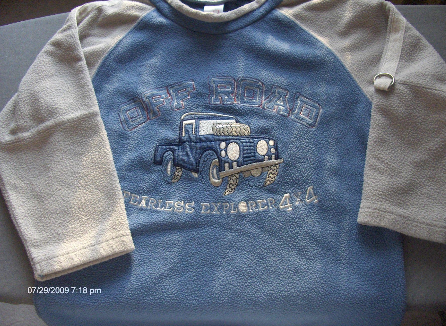 d31c26b6b5 Eladó cuccok - 104-es fiú ruha, játék, könyv... / Adok-veszek / Fórum