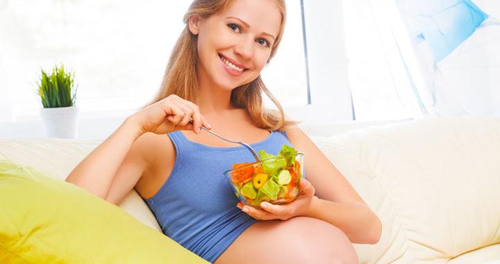 Ha változatosan eszel terhesen, nem lesz válogatós a gyerek