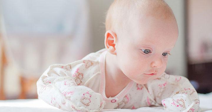 Hipotón baba: ezekre a jelekre figyelj