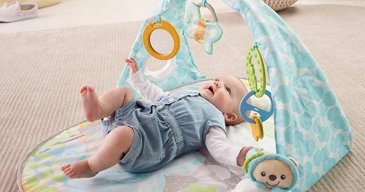 Hány hónaposan fordulnak hasra és hátra a babák?