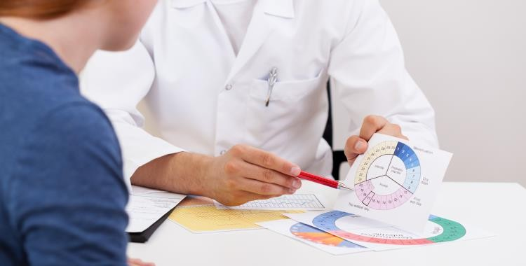 Az ovuláció is okozhat köztes vérzést?