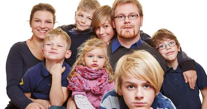 Újabb 7 intézkedéssel próbálnak kedvezni a családoknak