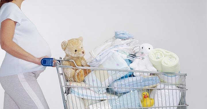 A terhesség alatt ennyit költünk a babára