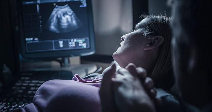 Terhesség: mikor fordul be a baba?