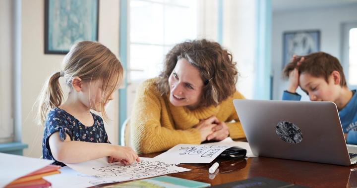 Mit jelent pontosan a hibrid tanítás?