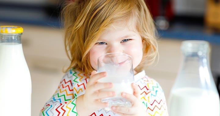Lassabban öregednek, akik zsírszegény tejet fogyasztanak