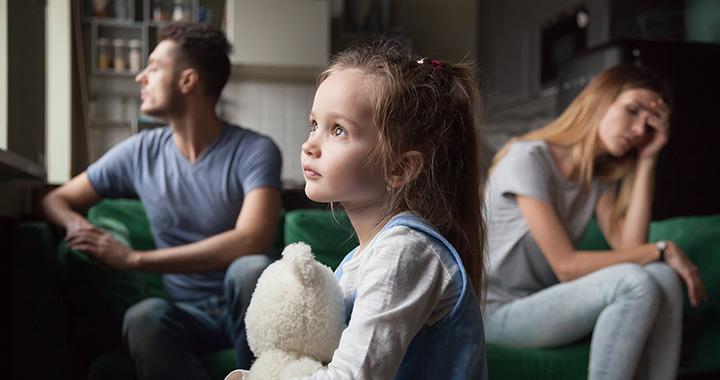 Így hat a gyerekre, ha csak miatta maradnak együtt a szülők