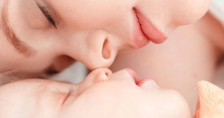 Súlyos májbetegségre is utalhat a baba elhúzódó sárgasága