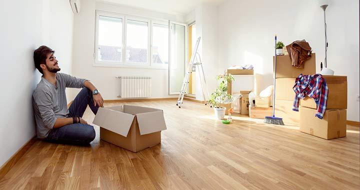 Tízből hét fiatalnak nehezen megy az elköltözés otthonról