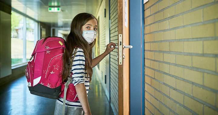 A szülők veszélyesnek tartják az iskolák újranyitását