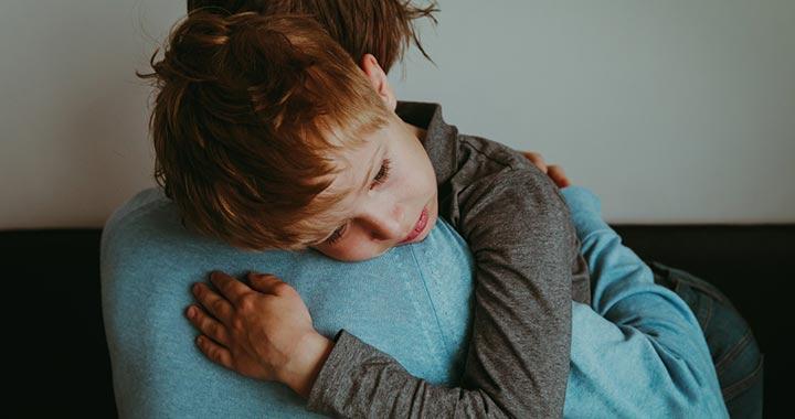 A gyerek szorongására a jó szülő-gyerek kapcsolat a gyógyszer