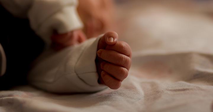 Magzatszurok, a baba első széklete