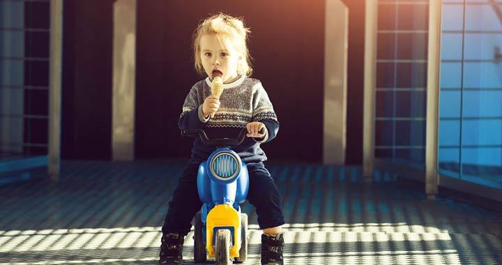 Veszélyes járgányokat, gyermekgondozási termékeket vontak ki a forgalomból