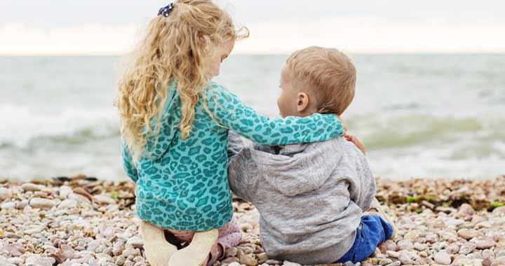 Testvérek közötti korkülönbség: melyiknek mi az előnye?