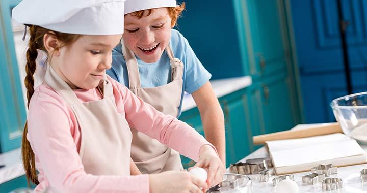 7 hiba, amit ne kövess el, ha azt akarod, hogy a gyereked megtanuljon főzni