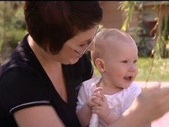 Kismama: A baba arcbőrének ápolása nyáron